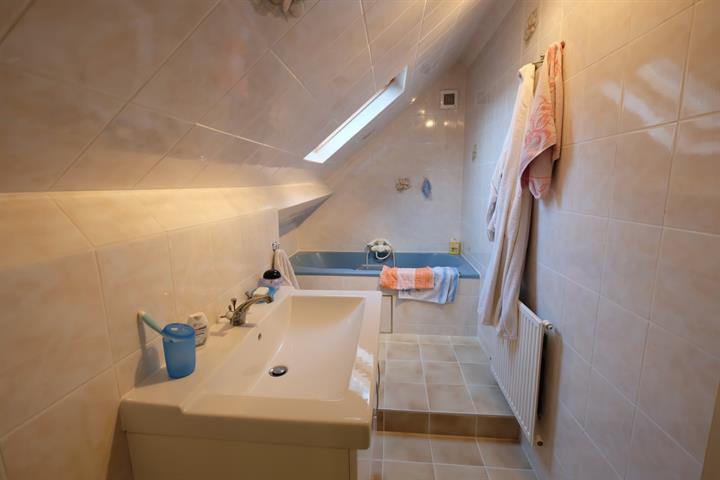 Villa - Tubize Saintes - #2990688-9